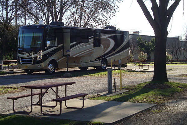 Red Bluff RV and table